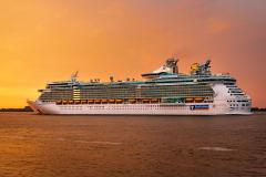 Cruise-Ship_GW1B2771