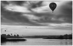 mono-6-plads-thies-m_84_ingen-titel-balloons